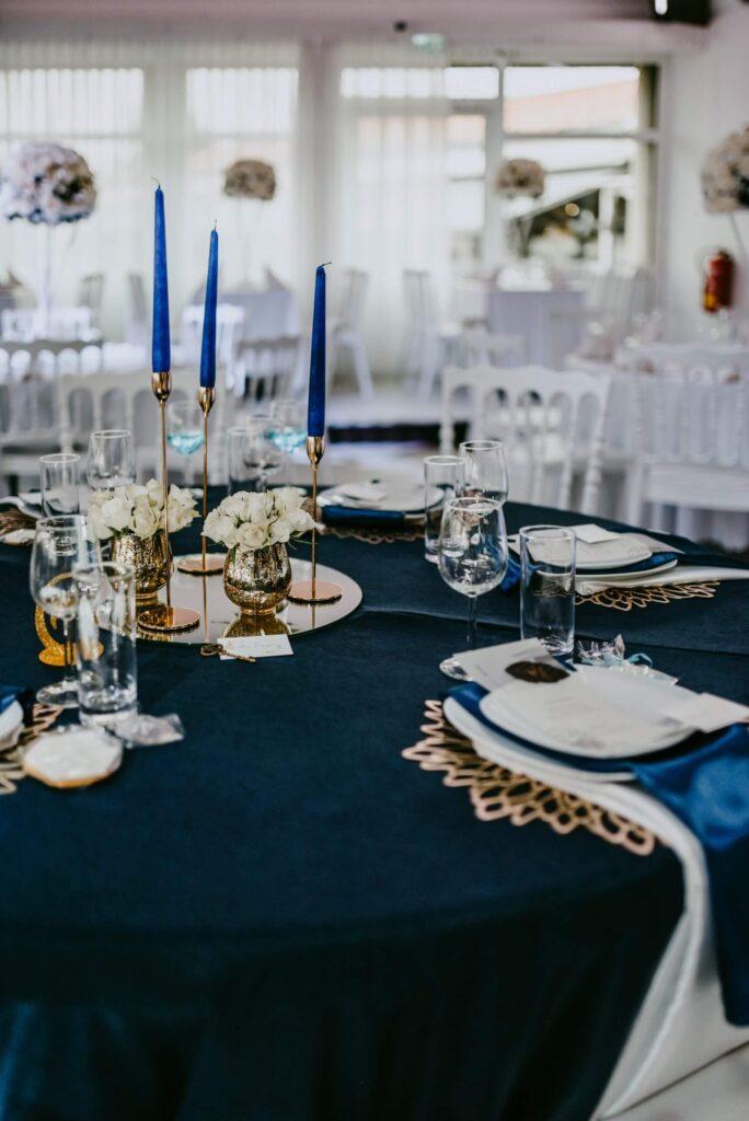 Hochzeit Tisch Dekoration blau gold