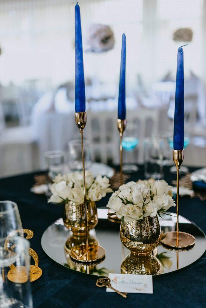 Hichzeit Tisch Dekoration blau gold